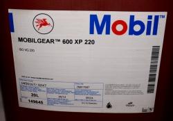 Масло Mobil Mobilgear 600 XP 220